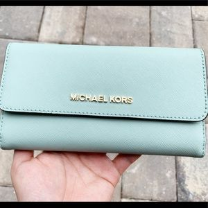Michael kors large trifold wallet pale jade